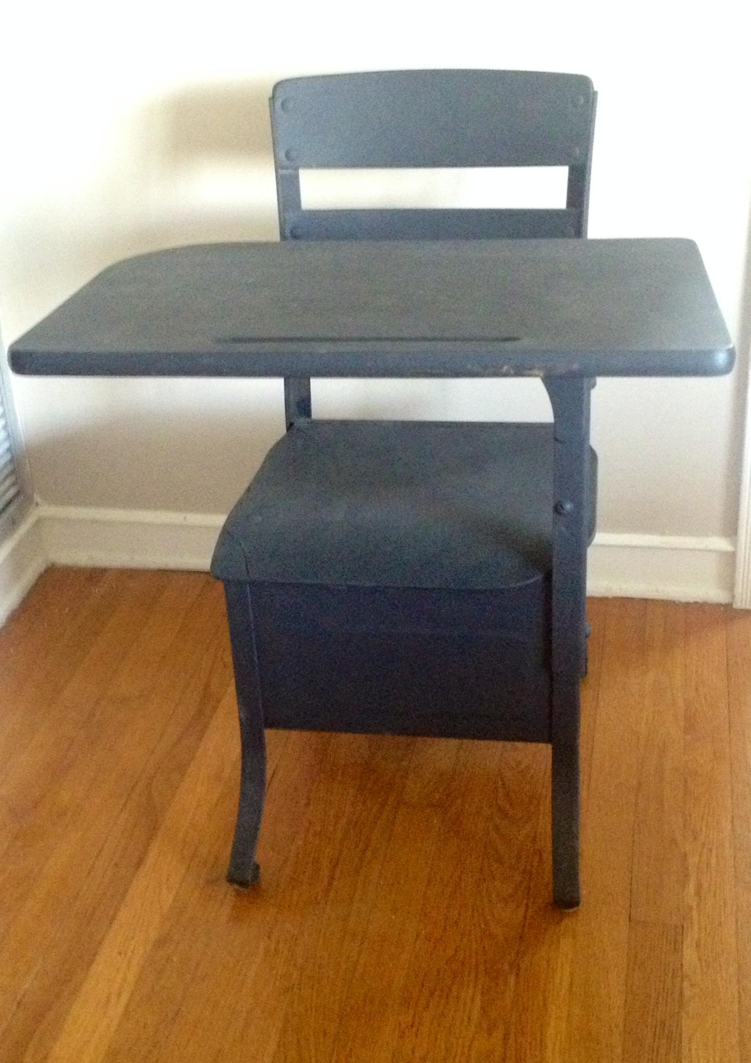 Black desk 2