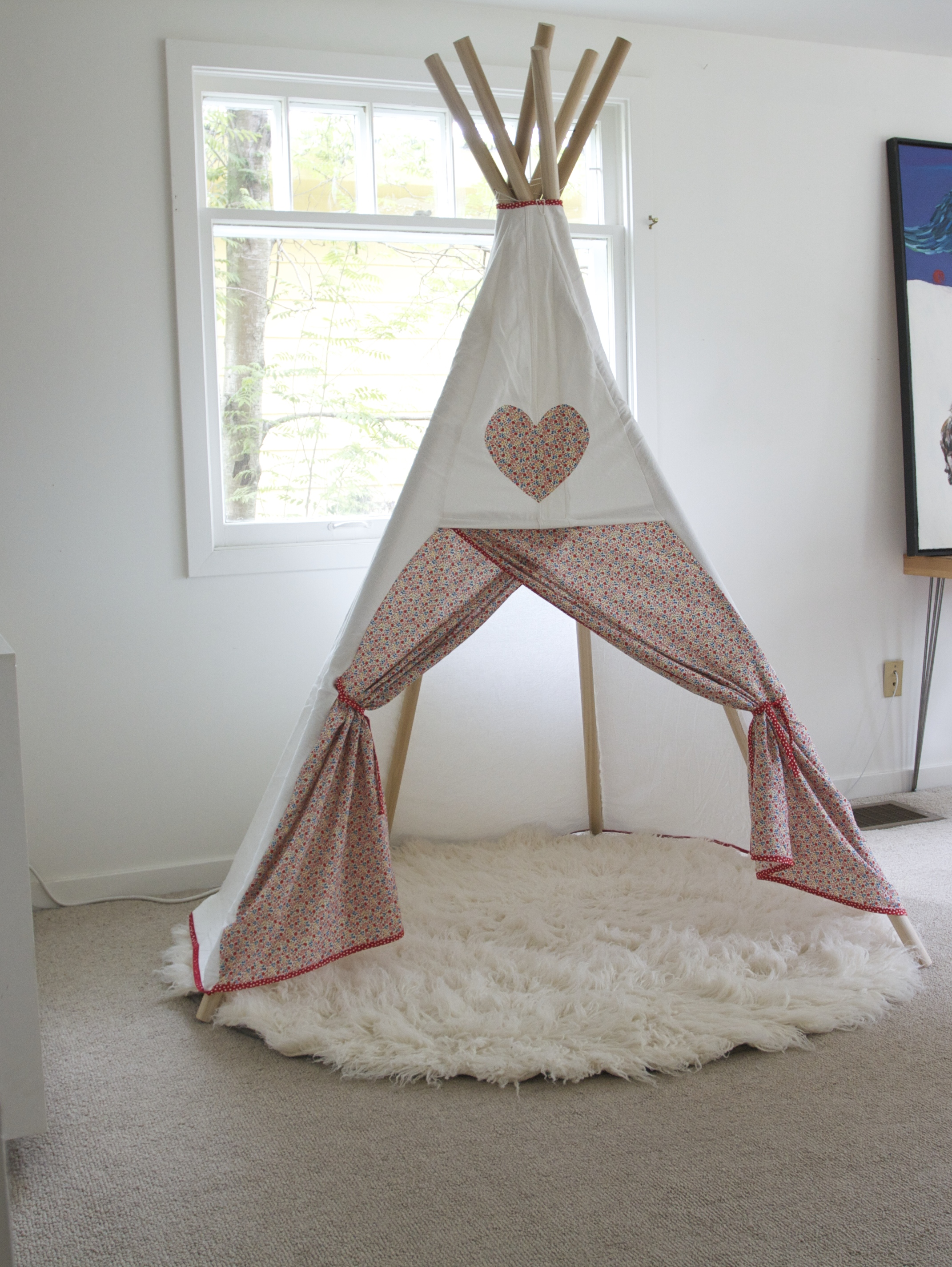 diy teepee red house west. Black Bedroom Furniture Sets. Home Design Ideas