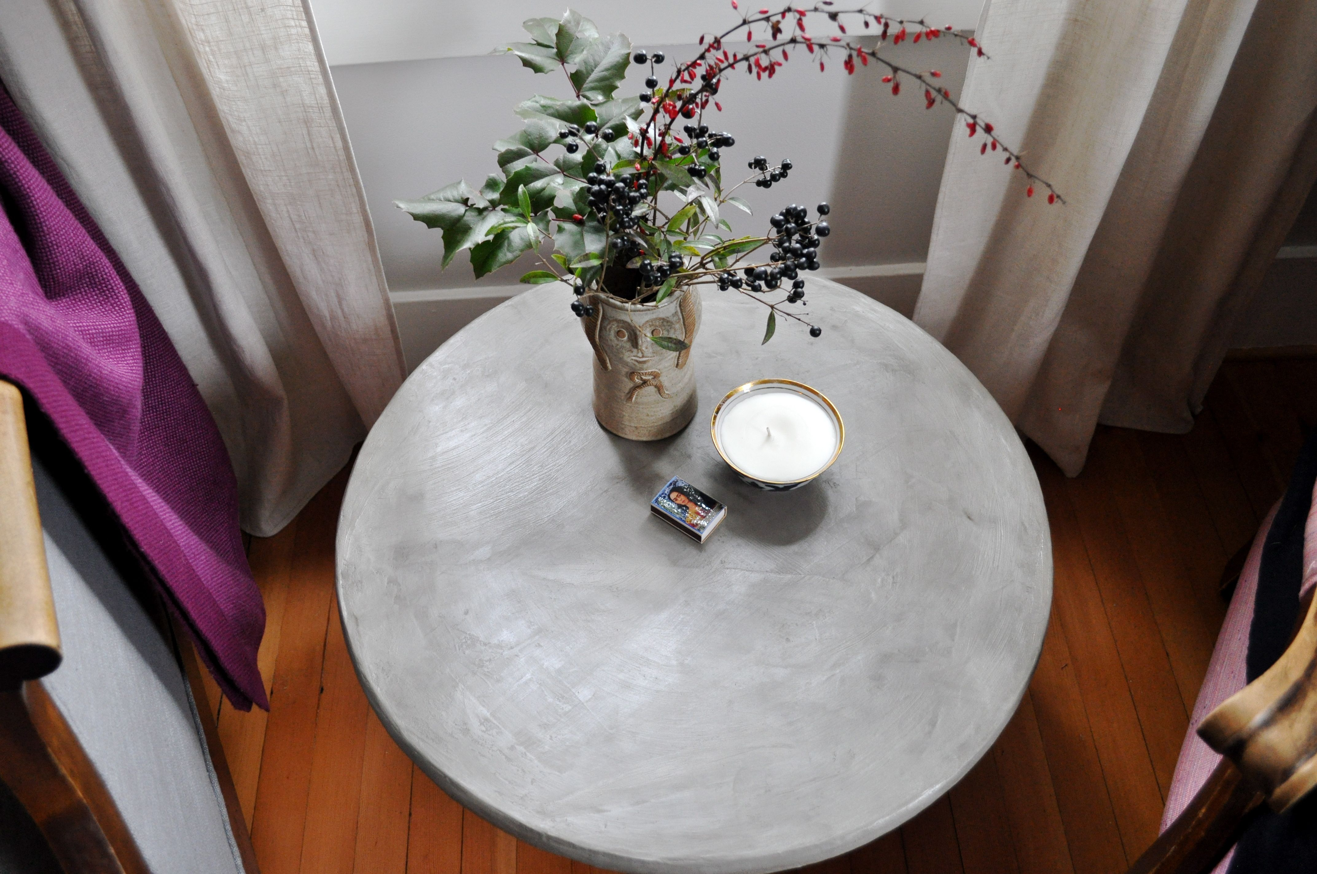 Red House West//DIY Concrete Pedestal Table